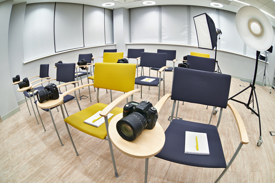 bigstock_Training_Class_In_Photography__88587155.jpg